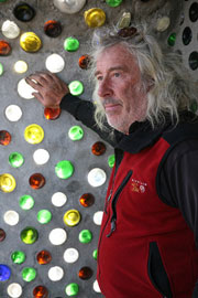 Architecte Michael Reynolds, concepteur earthship