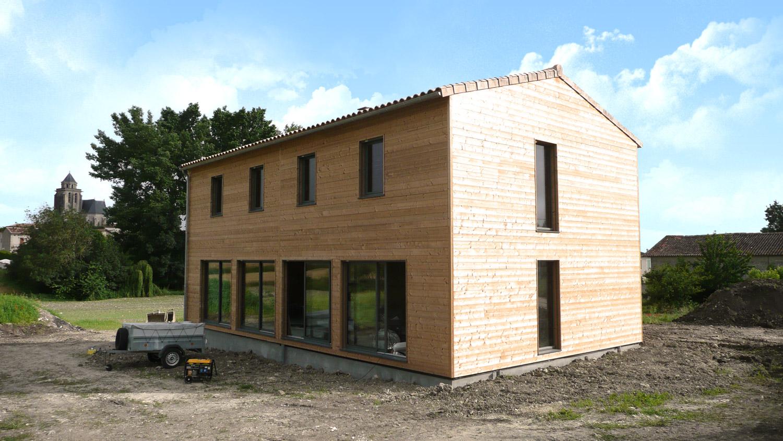 Maison avec bardage de maison bois avec bardage naturel for Maison minimaliste bois