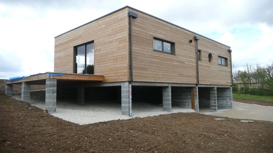 Chantier construction maison en bois cologique ecop habitat for Type de bardage bois exterieur