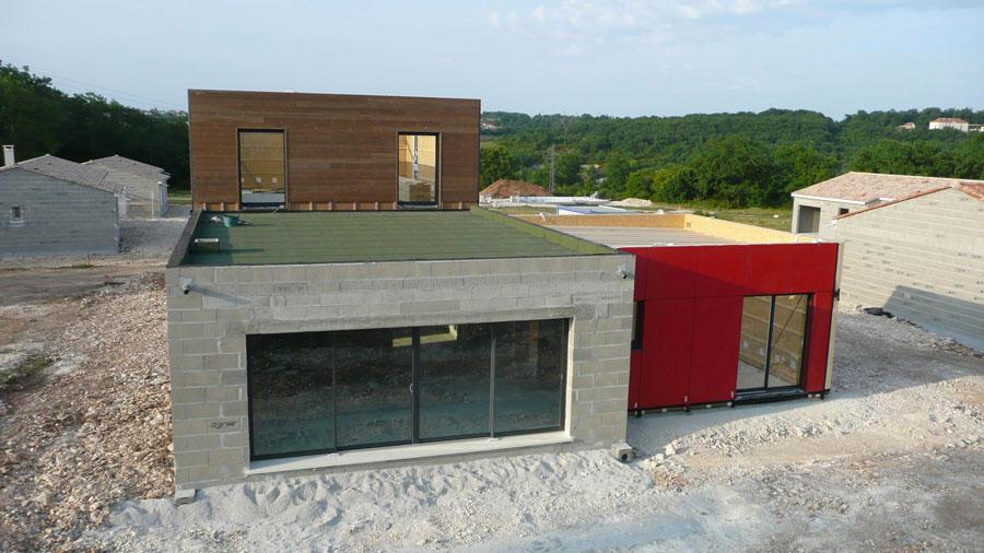 Top duune habitation bois avec un mur prfabriqu with - Prefabrique bois maison ...