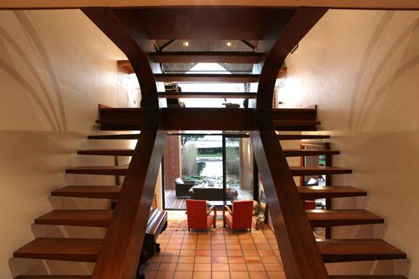 Construction de maison bioclimatique en bretagne et en for Fabrication escalier beton interieur