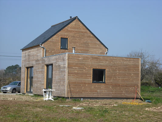 Maison plein pied construction contemporaine bois for Construction contemporaine